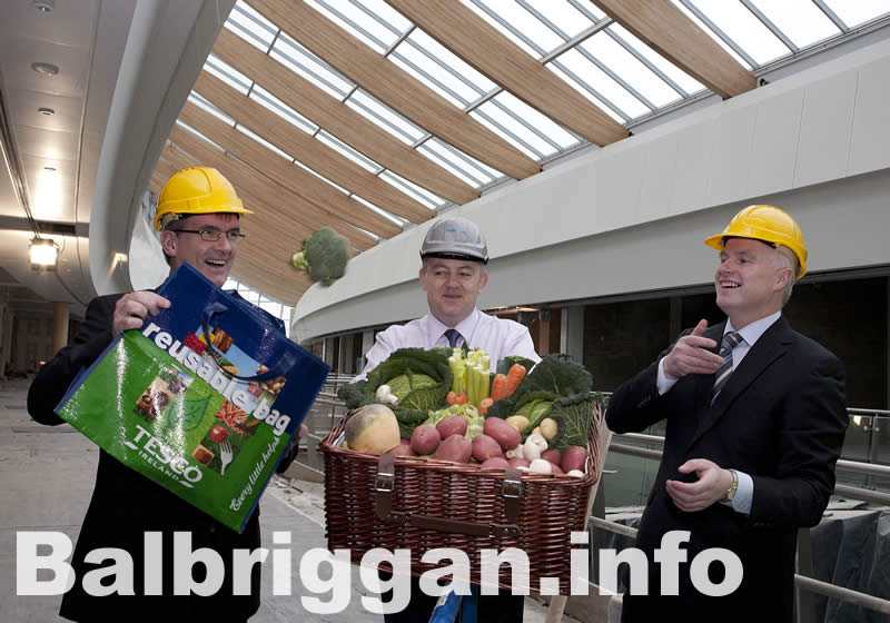 Tony Keohane, Chief Executive of Tesco Ireland, Kevin McCormack of Parkway Properties and Gabriel Hoey of Country Crest
