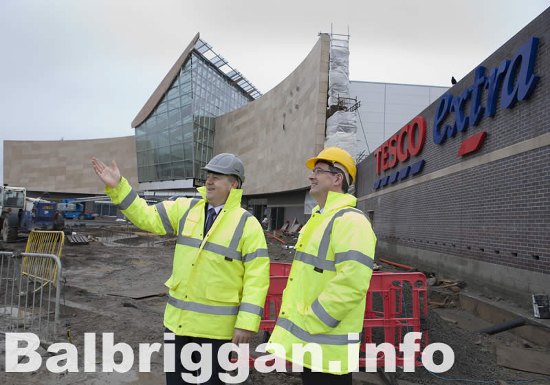 Kevin McCormack of Parkway Properties and Tony Keohane, Chief Executive of Tesco Ireland