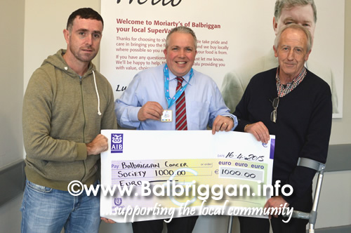 gerry_buckley_supervalu_raises_1000_for_balbriggan_cancer_support_group_17apr15
